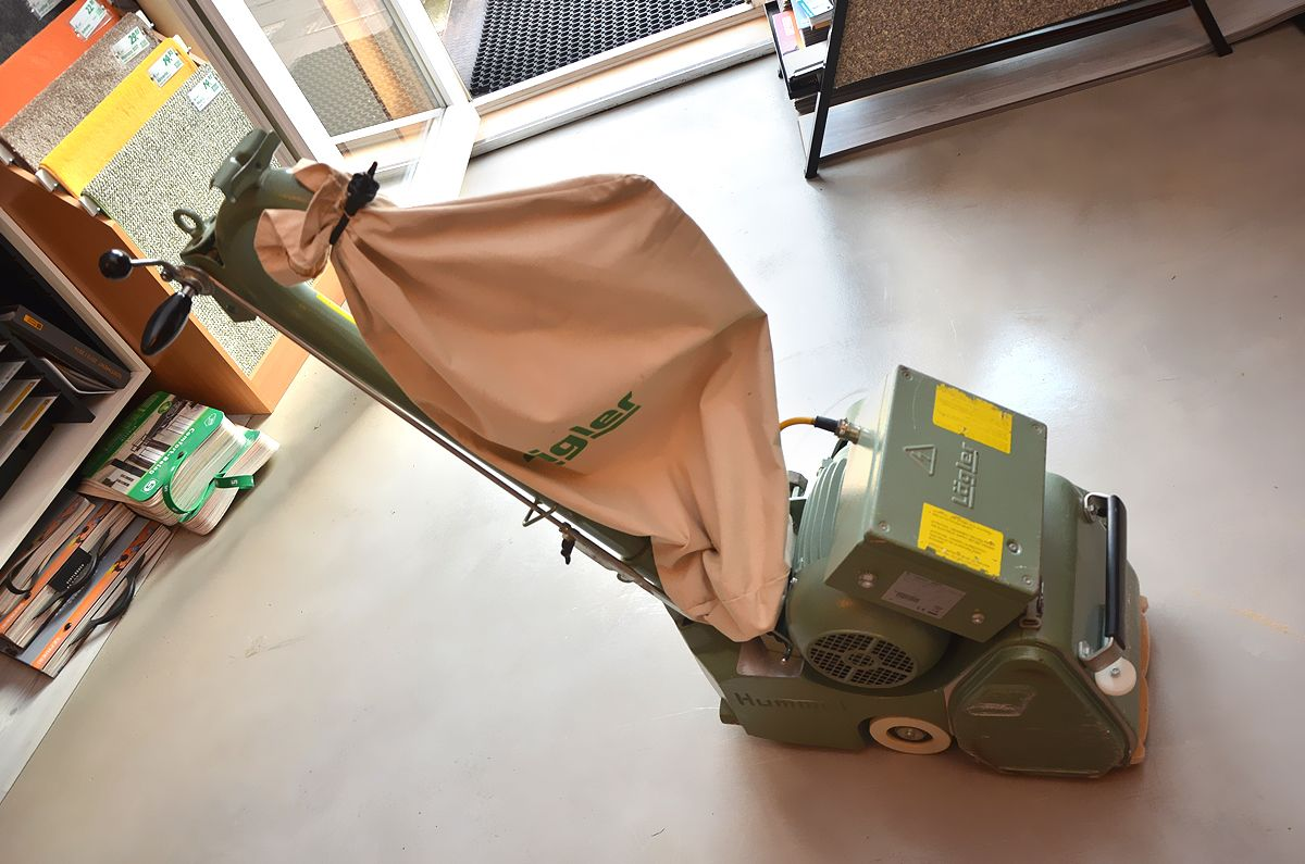 parkettschleifmaschine teppichstripper teppichreiniger in kiel mieten. Black Bedroom Furniture Sets. Home Design Ideas